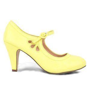 Chase & Chloe Lemon Yellow Mary Jane Style Heels 8